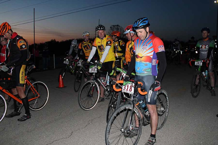 At the start line (see me over to the right?) Photo Credit: Diana Arendt/Bonk Hard